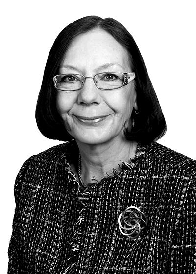 Staff-Linda-Holfeld-2012-blackwhite
